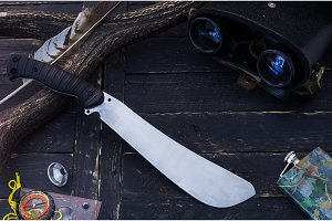 A big hunting knife. Tool for the huntsman.