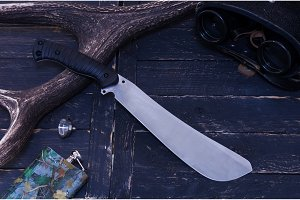 Knife with a fixed blade. Knife for cleaning the forest.