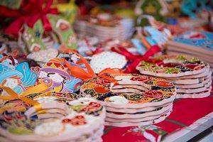Decorative souvenir plates