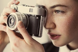 beautiful girl photographer