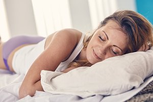 woman has a good morning sleep