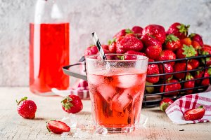 Iced strawberry drink