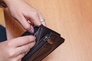Tanner sewing zipper