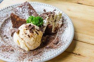 ice cream chocolate pie dessert