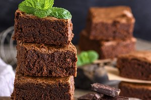 square pieces of baked brownie