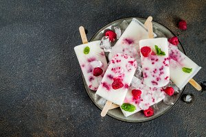 Raspberry and yogurt popsicles