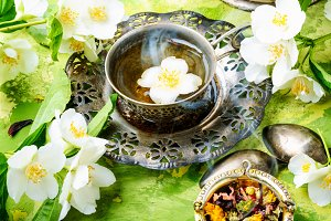 East tea jasmine flowers