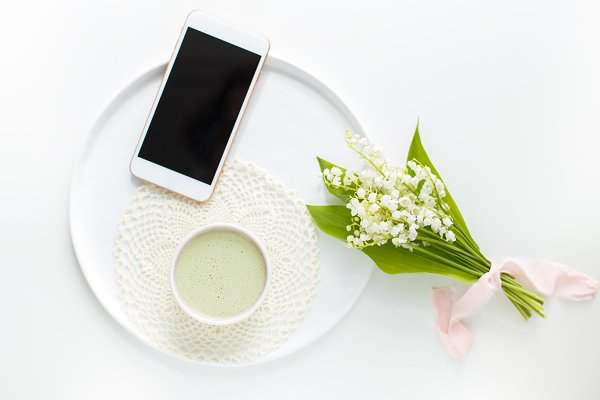 Matcha tea in a ceramic Cup