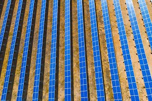 Vertical solar panel pattern