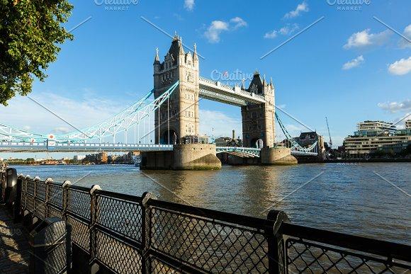 Daylight Establishing Shot London Iconic Landmark Tower Bridge River Transport