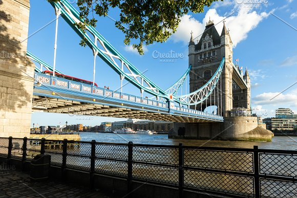 Daylight Establishing Shot London Iconic Landmark Tower Bridge River Transport