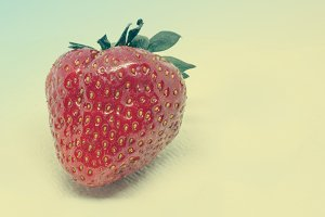 Vintage Look Fresh Strawberry