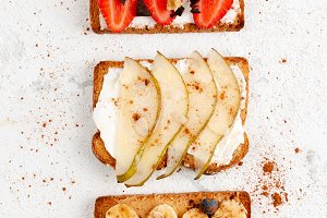 Sweet fruit toasts for breakfast