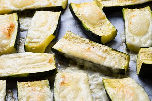 Zucchini baked with herbs and cheese