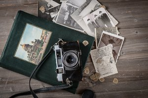 vintage camera and album with fotos