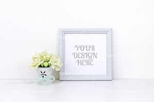 Square Frame MockUp, white flowers