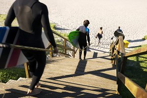 men with stand up paddle board