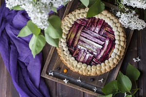 homemade rhubarb and blueberry pie