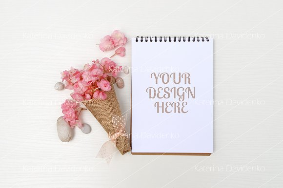 Notepad Mockup Pink Flowers