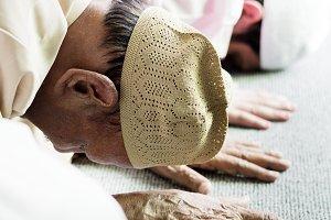 Muslim people is praying