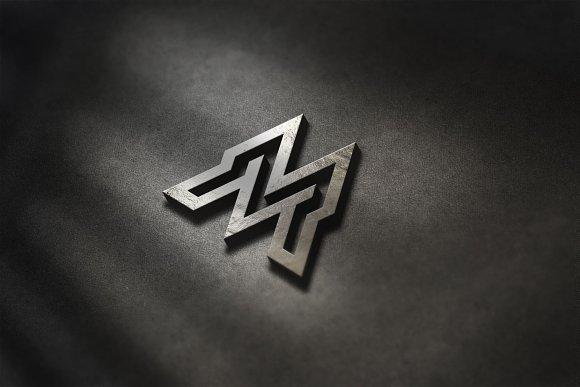Initial MR Logo