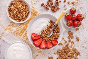 Crunchy granola