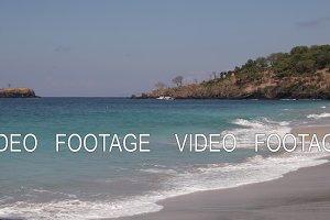 Ocean waves. Bali island. Tropical landscape.