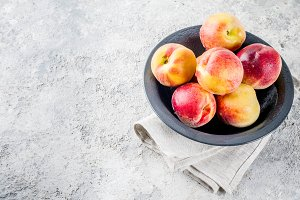 Raw fresh peaches