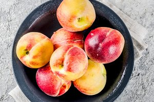 Raw fresh peaches
