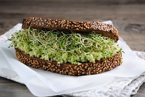 Sandwich with avocado and alfalfa