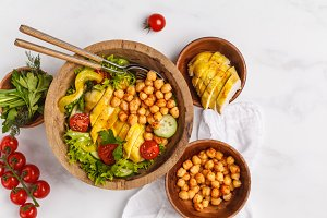 Grilled chicken salad with chickpea