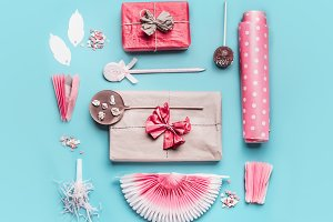 Pink holidays party accessories