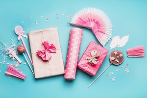 Pastel holidays party accessories