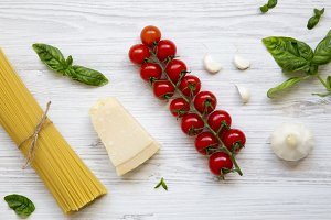 Spaghetti and different ingredients