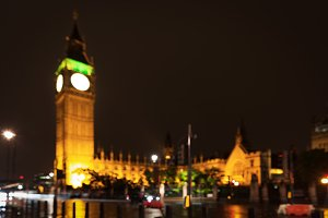 Popular tourist Big Ben and Houses of Parlament in night lights