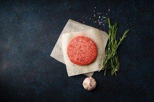 Raw minced beef patties