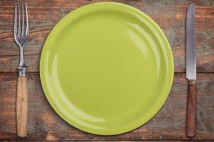 Green empty plate