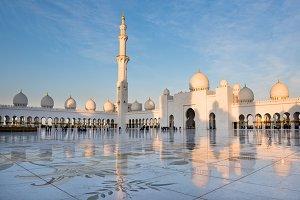 Sheikh Zayed White Mosque in Abu