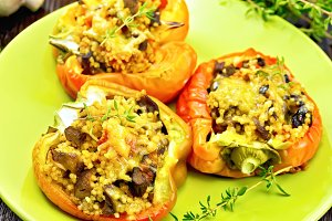 Pepper with mushrooms and couscous