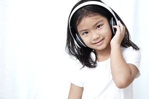 8s Girl with headphones