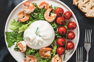 Salad with burrata cheese and shrimp