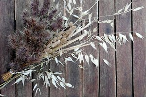 dried grasses bouquet
