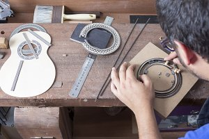 luthier and the rosette