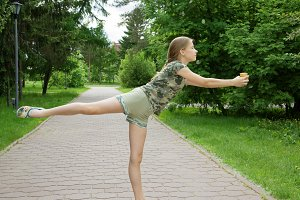 Choreographic dance in the park with