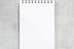 Blank notepad, minimal stile