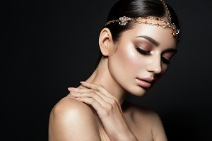Portrait of a beautiful fashion brunette bride