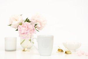 Styled mockup- mug pink flowers