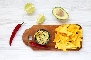 Guacamole with corn nachos, chili