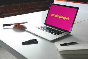 4K Macbook Pro v3 PSD mockup