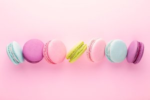 The row of colorful macarons.